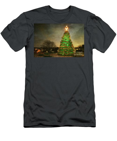 Rockland Lobster Trap Christmas Tree Men's T-Shirt (Athletic Fit)