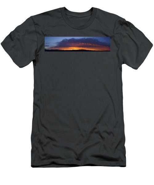Rogue Valley Sunset Panoramic Men's T-Shirt (Athletic Fit)