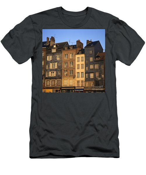 Row Of Houses. Honfleur Harbour. Calvados. Normandy. France. Europe Men's T-Shirt (Athletic Fit)