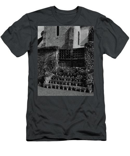 Rows Of Pot Plants Lined On The Steps Of A Garden Men's T-Shirt (Athletic Fit)