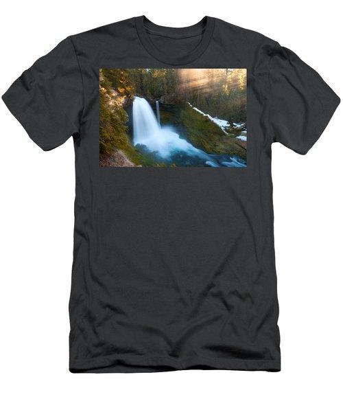 Sahalie Falls Men's T-Shirt (Athletic Fit)
