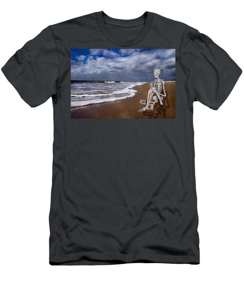 Sam Looks To The Ocean Men's T-Shirt (Athletic Fit)