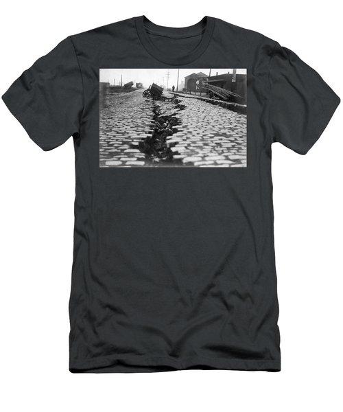 San Francisco Earthquake Split Men's T-Shirt (Athletic Fit)