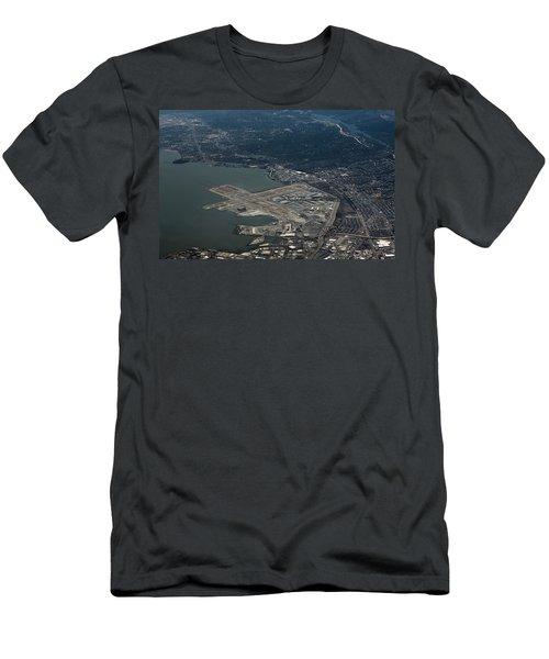 San Francisco International Airport Men's T-Shirt (Athletic Fit)