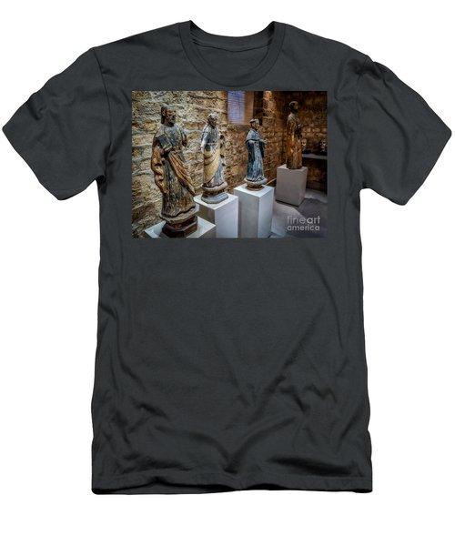 San Pedro Statue Men's T-Shirt (Athletic Fit)