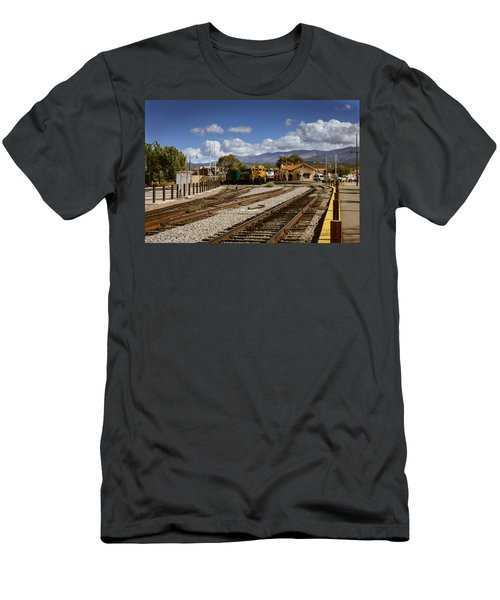 Santa Fe Rail Road Men's T-Shirt (Athletic Fit)