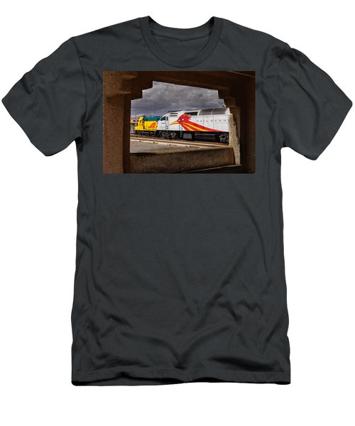 Santa Fe Train Men's T-Shirt (Athletic Fit)