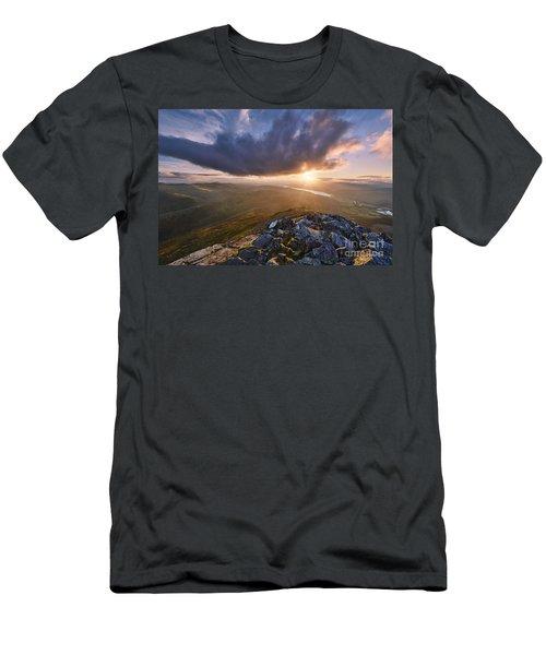 Schiehallion Sunset Men's T-Shirt (Athletic Fit)