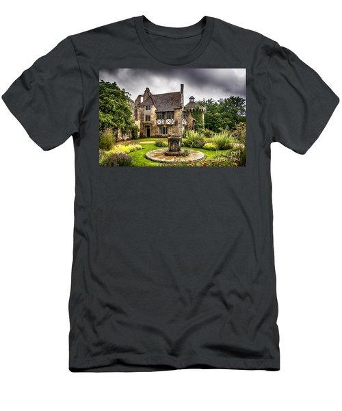 Scotney Castle 4 Men's T-Shirt (Athletic Fit)