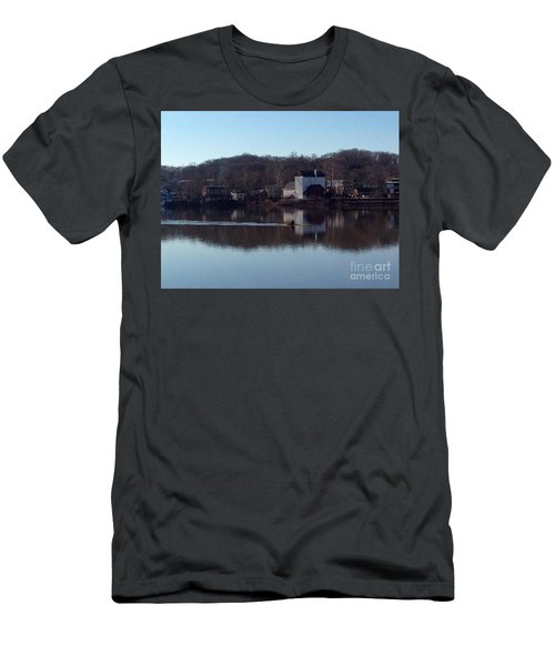 Single Scull On The Delaware Men's T-Shirt (Athletic Fit)