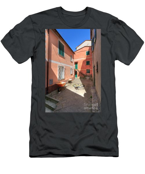 small square in Camogli Men's T-Shirt (Athletic Fit)