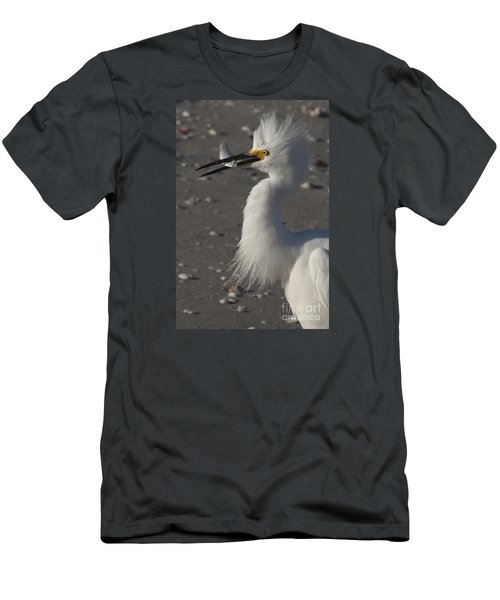 Snowy Egret Fishing Men's T-Shirt (Athletic Fit)