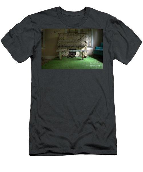 Solo Men's T-Shirt (Athletic Fit)