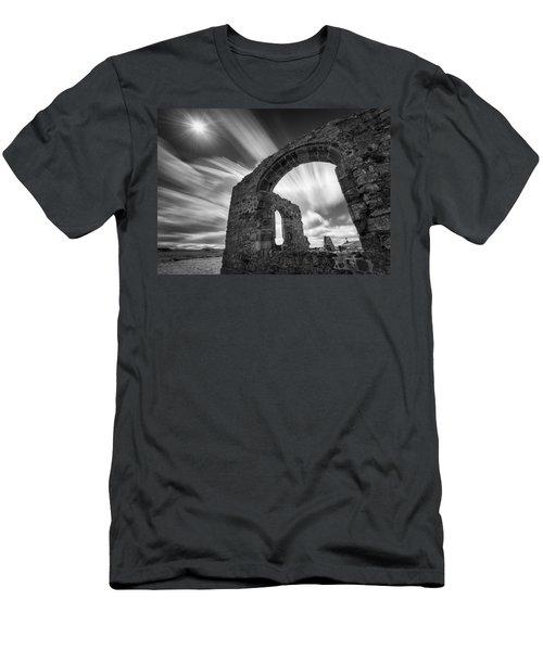 St Dwynwen's Church Men's T-Shirt (Athletic Fit)