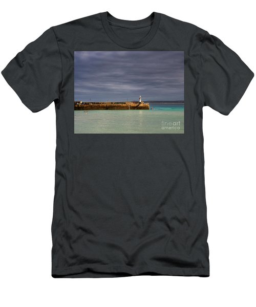 St Ives In Cornwall Men's T-Shirt (Athletic Fit)