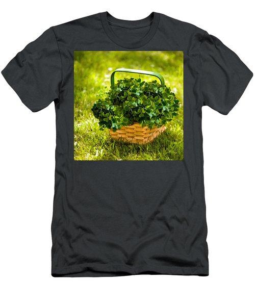 St Patricks Day Men's T-Shirt (Athletic Fit)