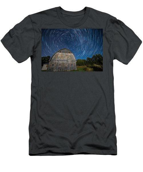 Star Trails Over Barn Men's T-Shirt (Athletic Fit)