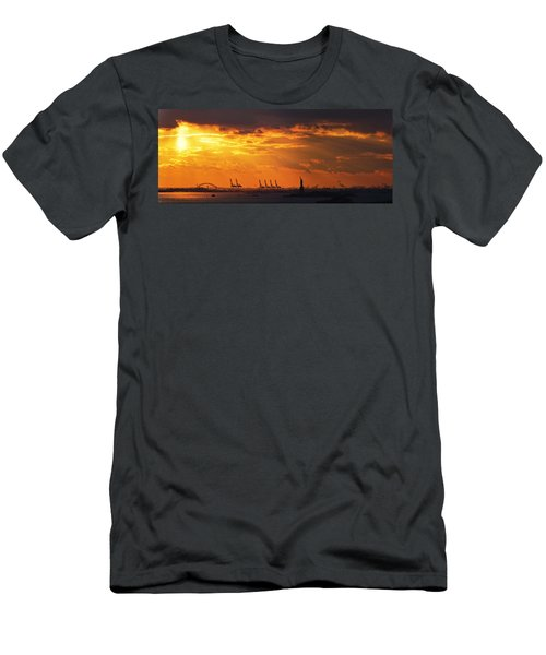 Statue Of Liberty At Sunset. Men's T-Shirt (Athletic Fit)