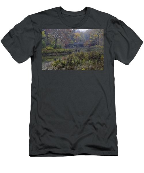Stone Bridge In Autumn I Men's T-Shirt (Athletic Fit)
