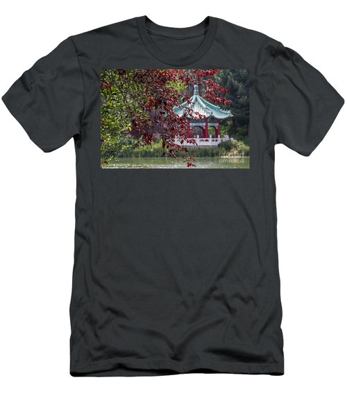 Stow Lake Pavilion Men's T-Shirt (Athletic Fit)