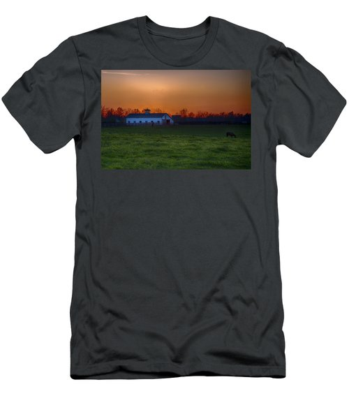 Walmac Farm Ky  Men's T-Shirt (Athletic Fit)