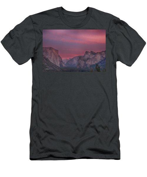 Sunset Sky Yosemite Men's T-Shirt (Athletic Fit)