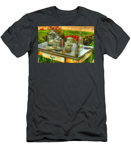 Table Collections Men's T-Shirt (Athletic Fit)