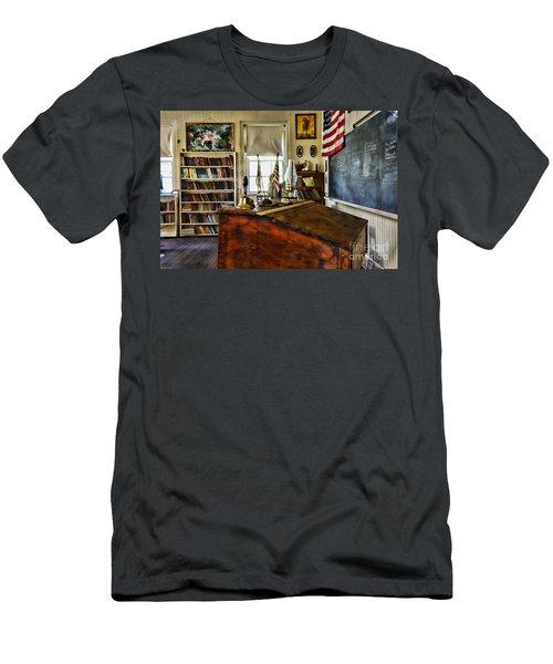 Teacher - Vintage Desk Men's T-Shirt (Athletic Fit)