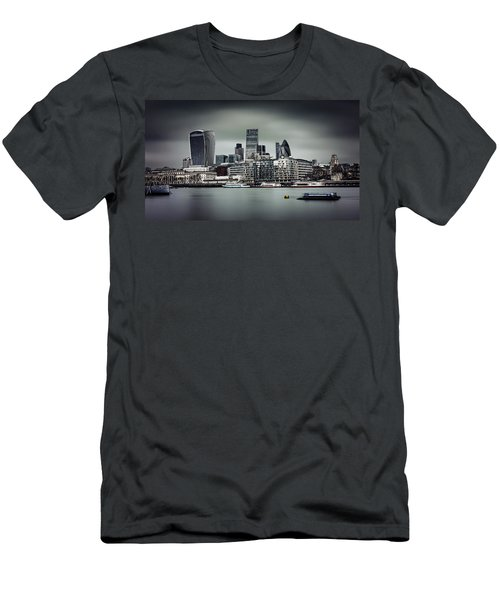 The City Of London Men's T-Shirt (Athletic Fit)