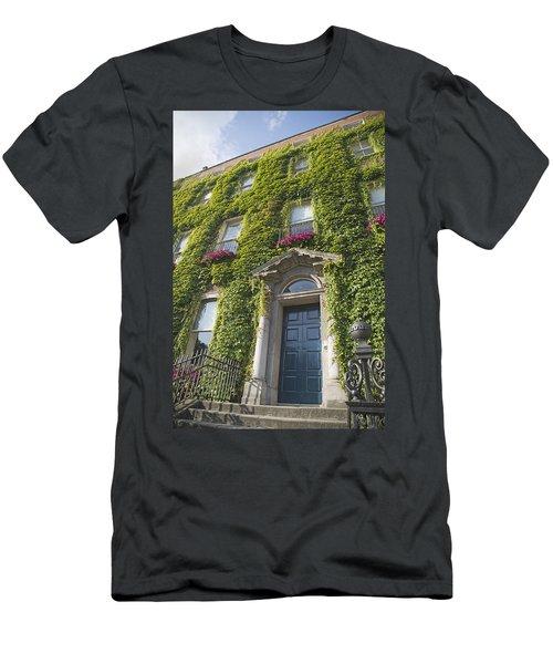 The Door Dublin Ireland Men's T-Shirt (Athletic Fit)