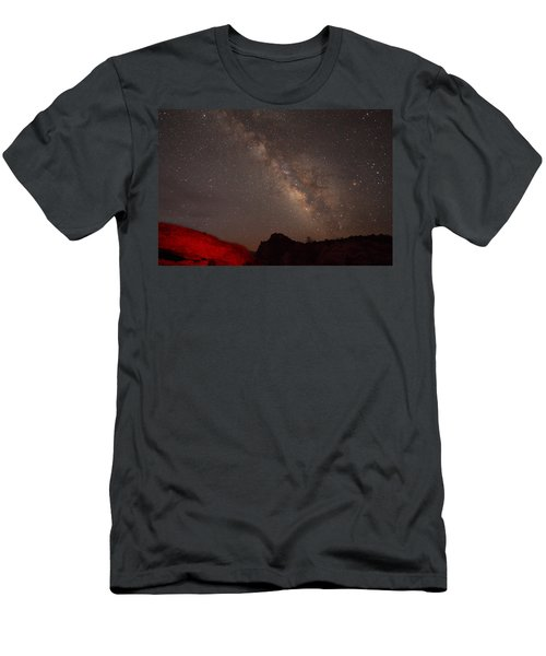 The Milky Way Over Mesa Arch Men's T-Shirt (Athletic Fit)