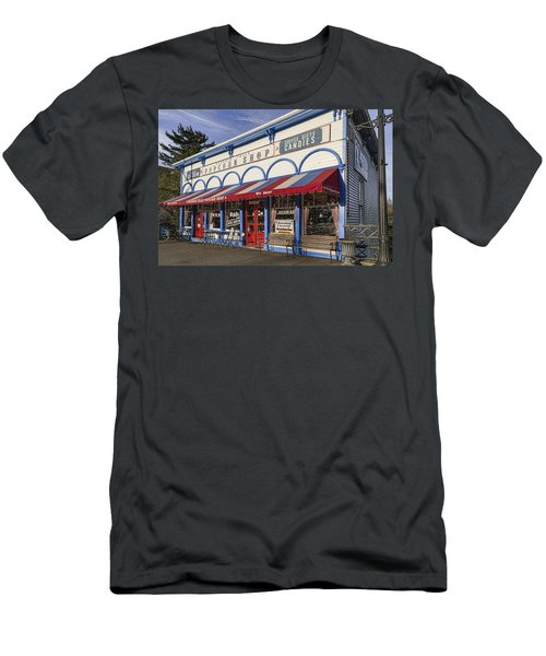 The Popcorn Shop Men's T-Shirt (Athletic Fit)