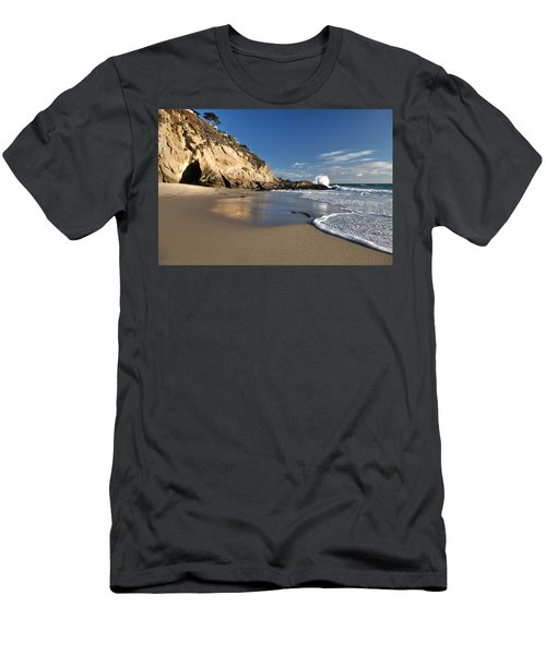 Thousand Steps Beach At Low Tide Men's T-Shirt (Athletic Fit)
