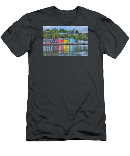 Tobermory Isle Of Mull Men's T-Shirt (Athletic Fit)