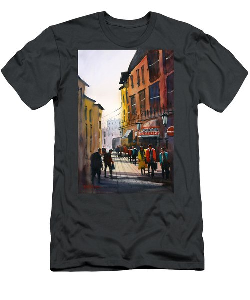 Tourists In Italy Men's T-Shirt (Athletic Fit)