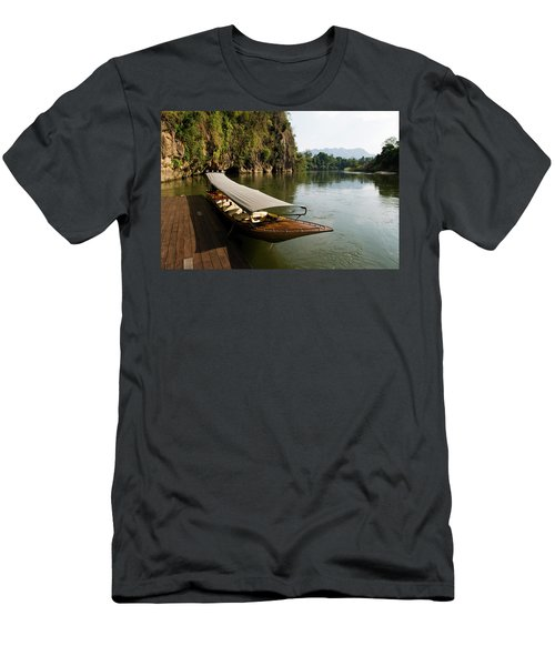 Traditional Thai Long Boat Docked Men's T-Shirt (Athletic Fit)