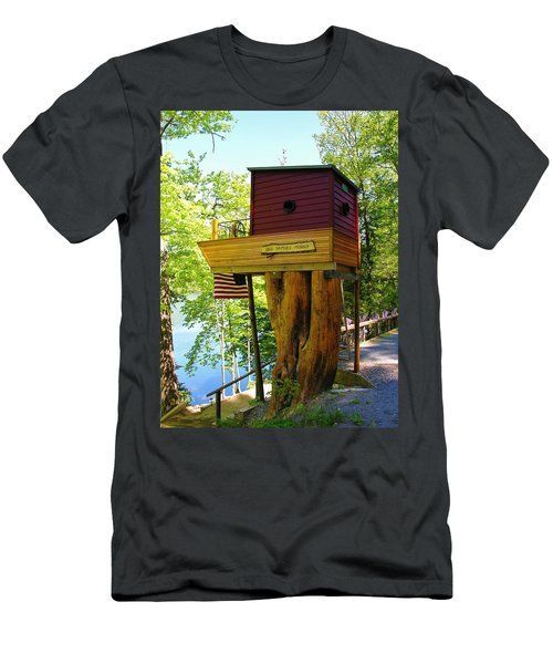 Tree House Boat Men's T-Shirt (Athletic Fit)