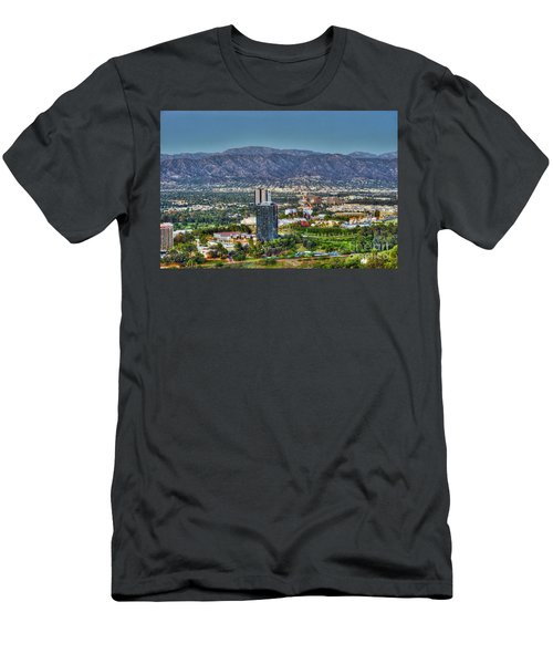 Universal City Warner Bros Studios Clear Day Men's T-Shirt (Athletic Fit)