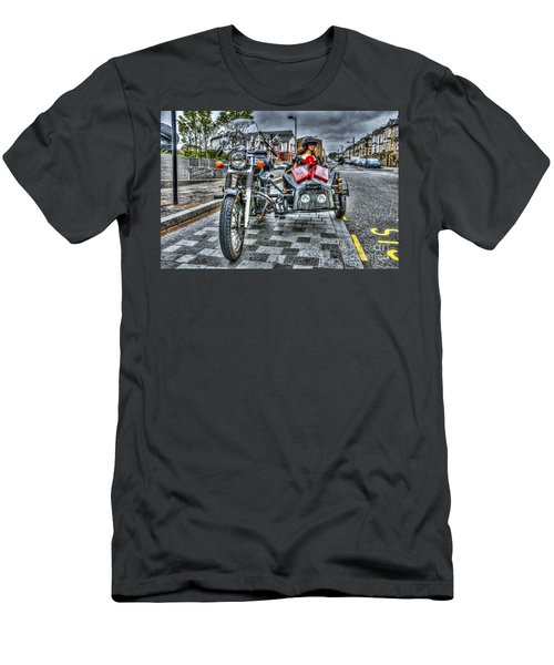Ural Wolf 750 And Sidecar Men's T-Shirt (Slim Fit)