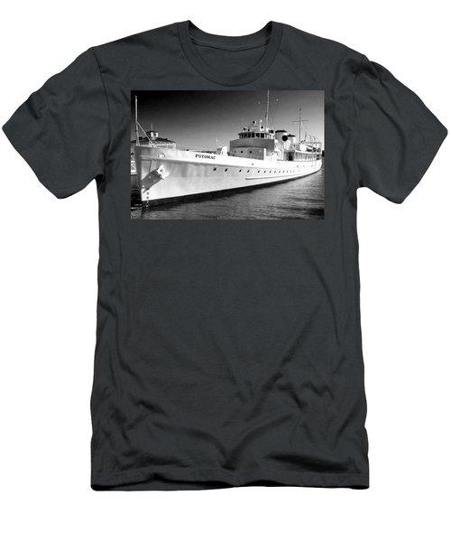 Uss Potomac Men's T-Shirt (Slim Fit)