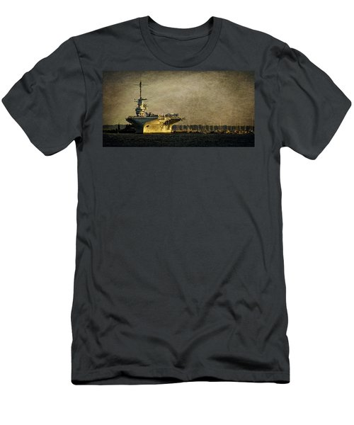 Uss Yorktown Cv10 Men's T-Shirt (Athletic Fit)