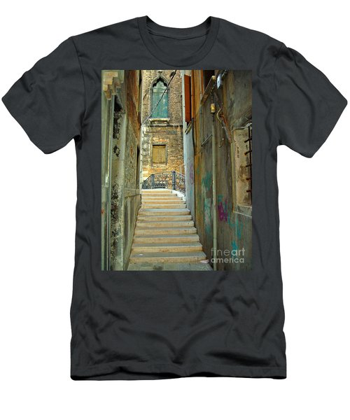 Venetian City Of Bridges Men's T-Shirt (Athletic Fit)
