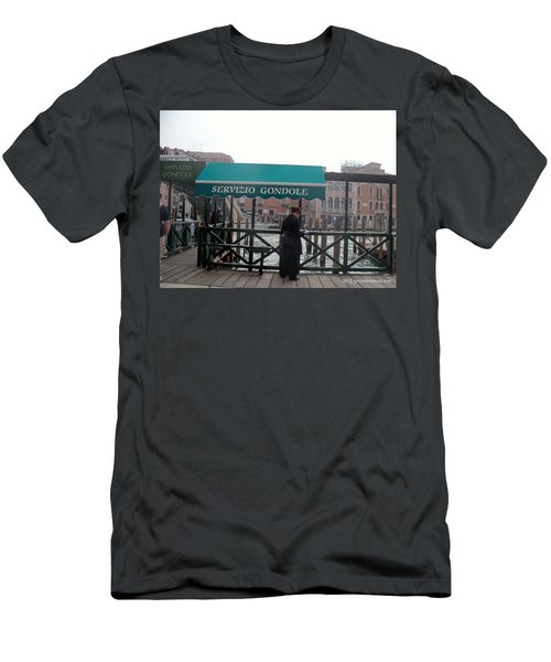 Venice Taxi Stand Men's T-Shirt (Athletic Fit)