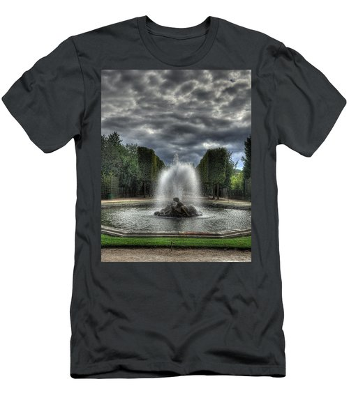 Versailles Fountain Men's T-Shirt (Athletic Fit)