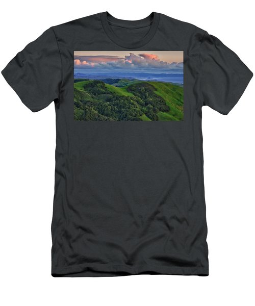 View Of Morro Bay Men's T-Shirt (Athletic Fit)
