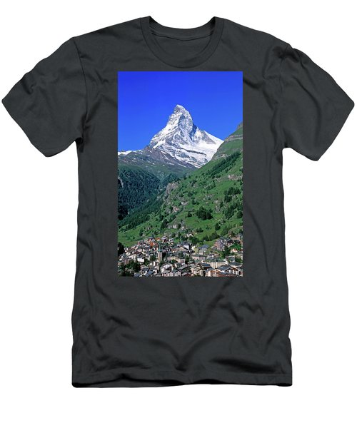 View Of The Matterhorn And The Town Men's T-Shirt (Athletic Fit)