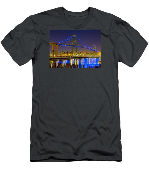 Vincent Thomas Bridge - Nightside Men's T-Shirt (Athletic Fit)