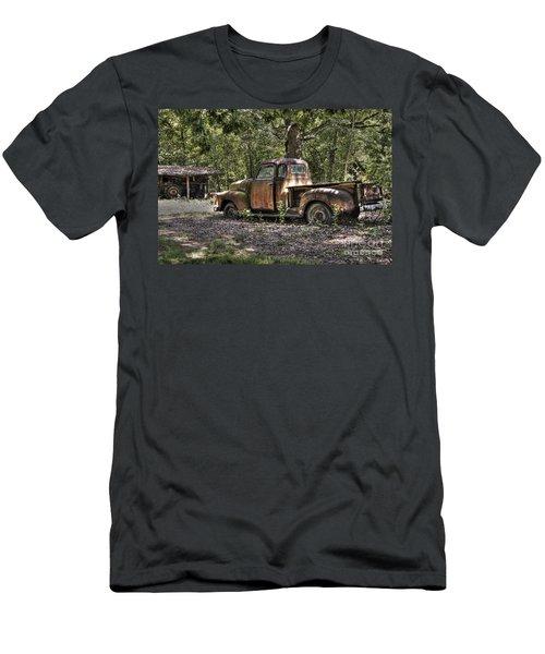 Vintage Rust Men's T-Shirt (Athletic Fit)