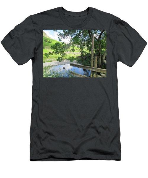 Wasdale Head Stile Men's T-Shirt (Athletic Fit)
