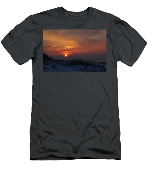 When The Sun Goes Down  Men's T-Shirt (Athletic Fit)